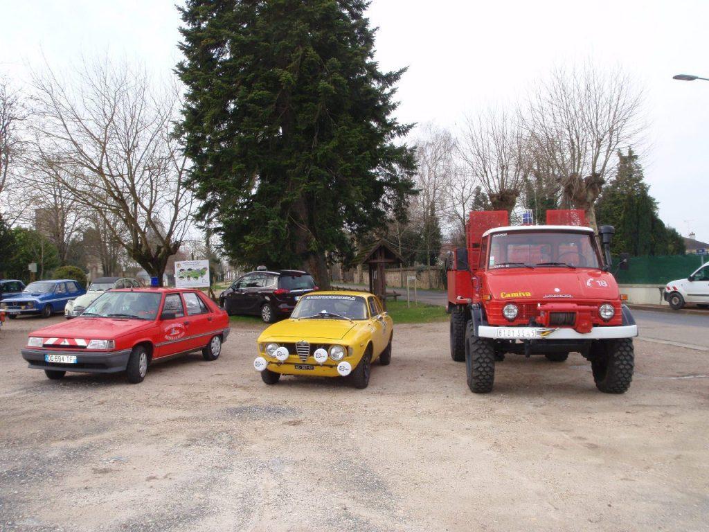 Rendez vous mensuel CAMP du véhicule de pompier à l'Alfa Roméo de course.