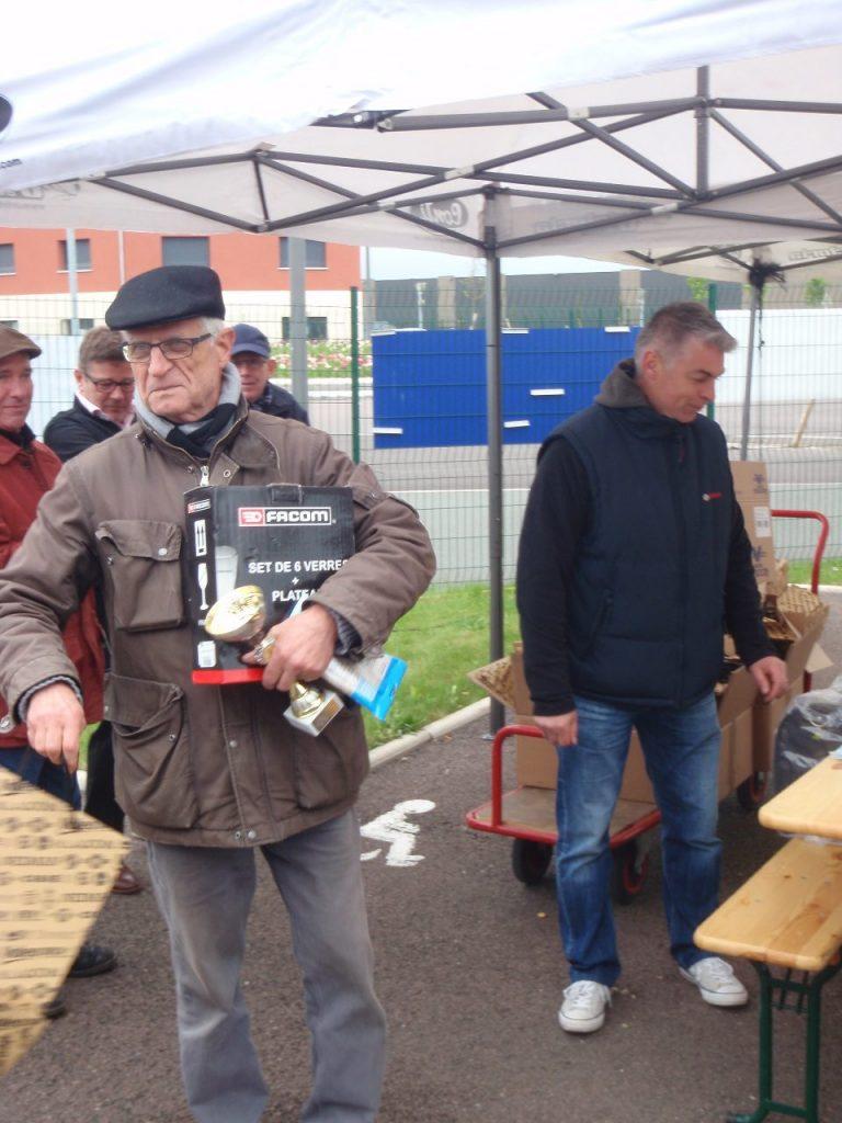 Exposition Autos Motos anciennes Tour B'Yonne avril 2016 à SENS