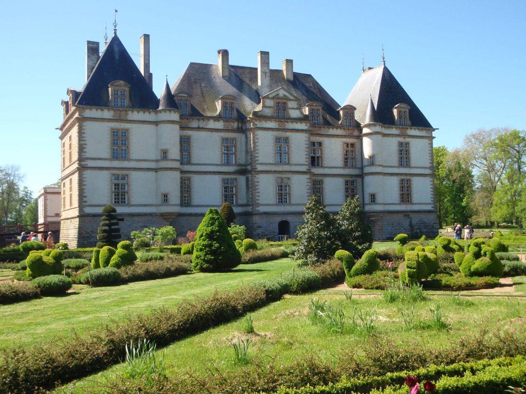 Rallye National Club Hotchkiss: Château en Mâconnais.